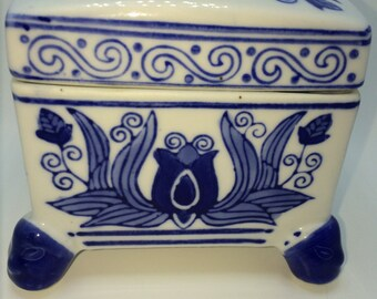 Vintage Chinoiserie Blue and White Lotus Square Porcelain Jar with Lid
