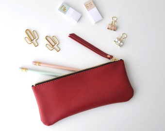 Astuccio scuola, astuccio porta penne, astuccio pennelli, astuccio rosso, astuccio pelle, astuccio metallizzato, idea regalo