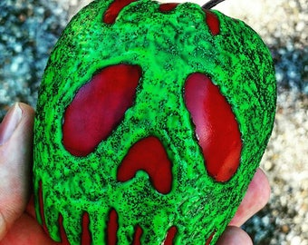 Snow White poison apple