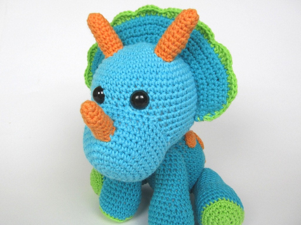 Amigurumi Crochet Patterns Book : Crochet book cover patterns to make today