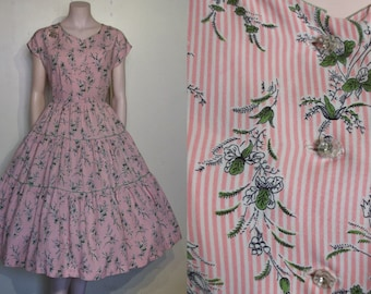 """Wonderful 1950s ultra full skirted candy stripe and blossoms day dress waist 29"""""""