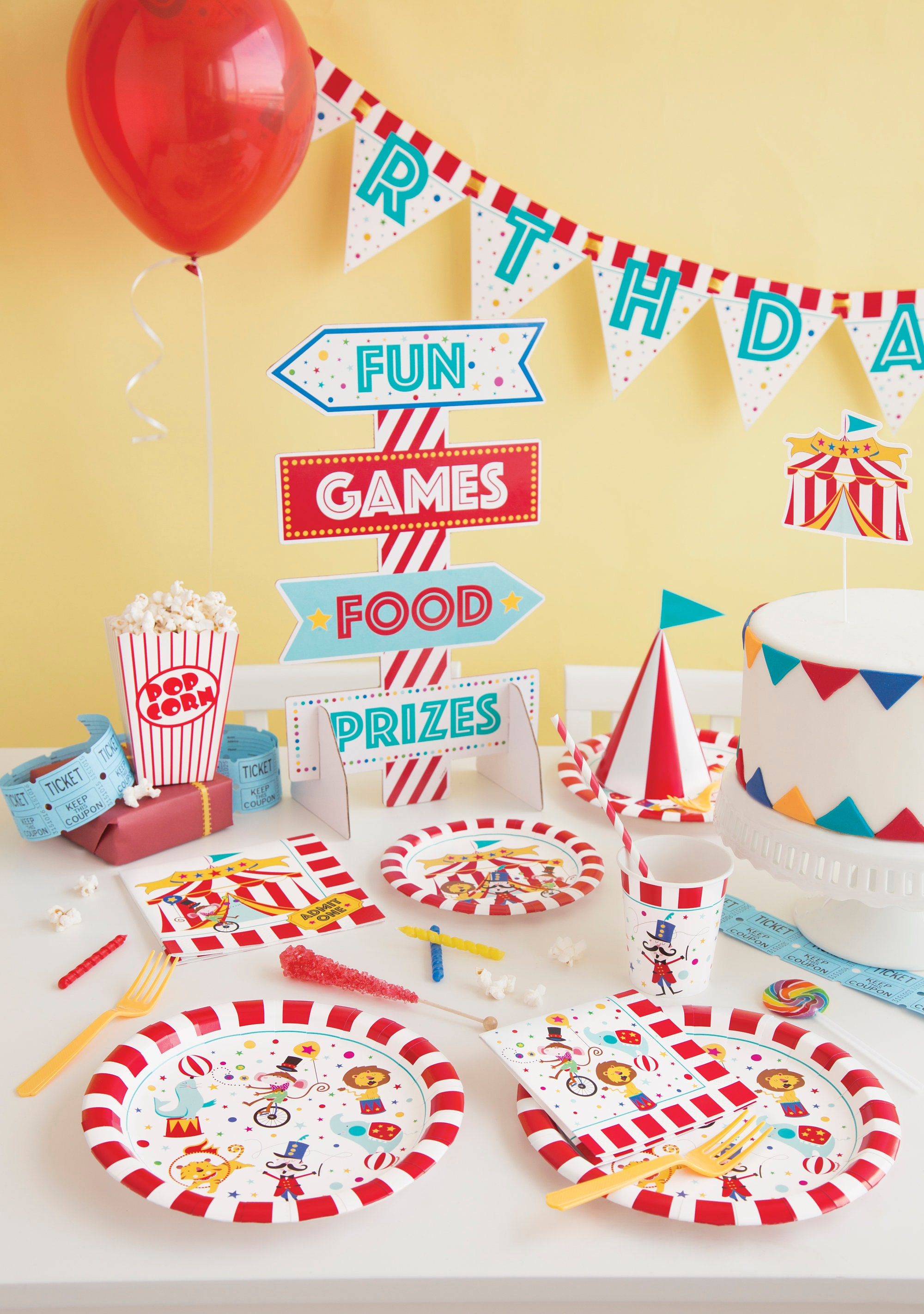pin to centerpiece google circus projects search decor try party decorations