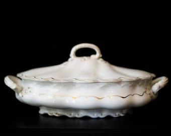 Saladier avec couvercle en céramique