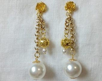 Pearl and filigree Earrings