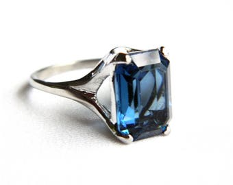 Vintage Silver Plated Midnight Blue Solitaire Ring - Emerald Cut Faceted Glass - Size 7.5 - ESTATE - Modern Design