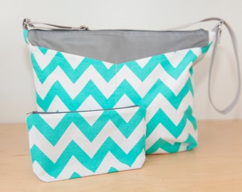 White & Aqua Chevron Cross-body bag w. pockets, zipper closure // Diaper Bag // Travel Bag // Beach Bag // Overnight Bag // Gift for women