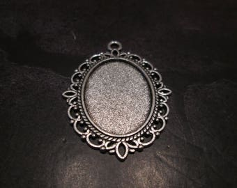 a medium oval silver / antique silver Medallion for 25 * 18mm cabochons