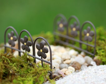 Fairy Garden Fence Edging ONE Miniature Accessories For Terrarium Or Miniature  Garden Scalloped Wire, Brown