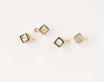 3163041 / Tiny Cube / 16k Gold Plated Brass with Cubic Zirconiia Pendant 5.5mm x 8.5mm / 0.8g / 4pcs