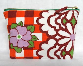 1960's/70's Vintage Fabric Make Up Bag - Orange Gingham Style & Daisies
