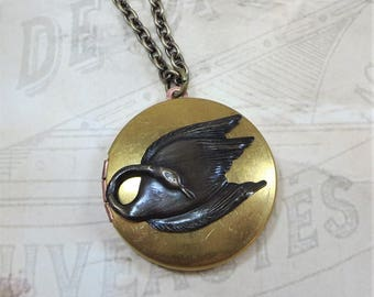 Swan Locket Swan Necklace Pendant Black Swan Vintage Locket Swan Jewelry Bird Locket Bird Jewelry Gift