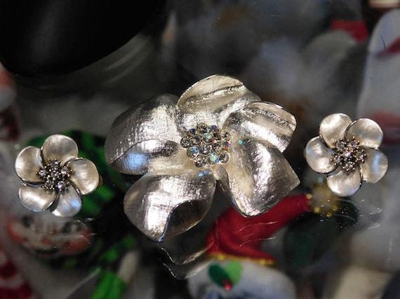 Vintage Brooch / Pendant / Clip On Earrings Set