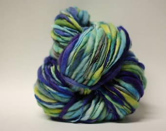 Hand Spun Thick and Thin Yarn Wool Superfine Merino Slub tTs(tm) Hand dyed LR 17007