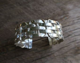 Vintage Woven Sterling Silver Stacking Cuff. Native American Vintage Sterling Silver Cuff. Boho Bohemian Women's Jewelry. E0015