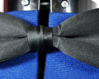 Men's Vintage Black Satin Bow Tie -Silk Self Tie -With Original Box