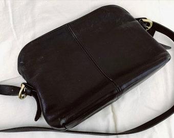 Vintage Coach Leather Shoulder Bag. Black.