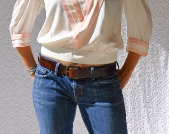 1980s Silk Blouse. Powder Pink Trim Retro Blouse | Pin Up Short Waist Blouse. Sailor Collar Blouse. Mod Button Up Back Boatneck Blouse | s/m