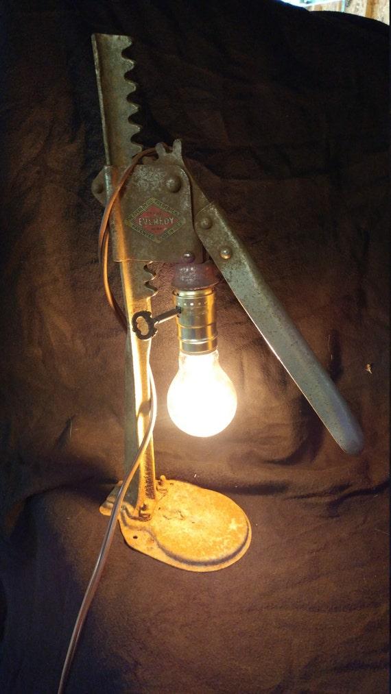 Bottle Cap Press Lamp