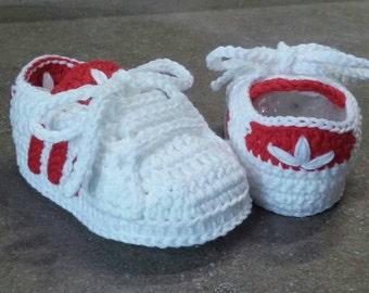 Crochet newborn adidas shoes,Scarpine a uncinetto adidas,scarpine a uncinetto,crochet baby adidas, crochet baby shoes, baby footwear