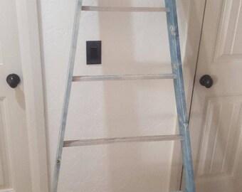 Orchard Style Blanket Ladder