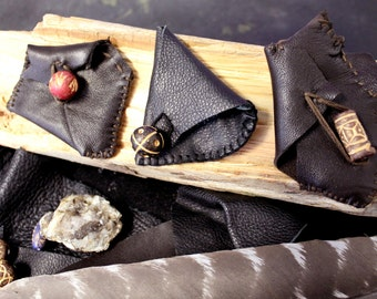 Small Leather Pouch, Carrying Pouch, Leather Pouch, Totem Pouch, Talisman Pouch, Hand-sewn Pouch