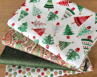 TRADITIONAL CHRISTMAS Fat Quarter Bundle G Quilting Craft Cotton Fabric by Makower 2017