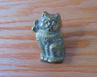 Vintage Brass Cat Paperweight Clip/Wall Hanging