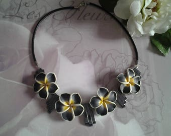 Necklace large flowers of tiare and Hematite beads