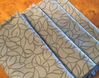 Set of 4 Gray Mod Leaf Cotton Cloth Napkins