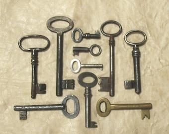 antique keys, antique skeleton keys, vintage keys, 10 genuine iron and brass skeleton ornate keys - old keys, keys lot (C-6).