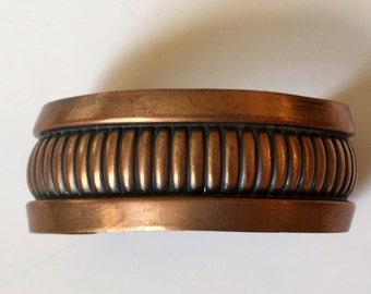 Jahrgang massivem Kupfer klar beschichtet breites mit oxidierten Details