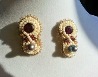 Garnet, Saphire and pearl earrings