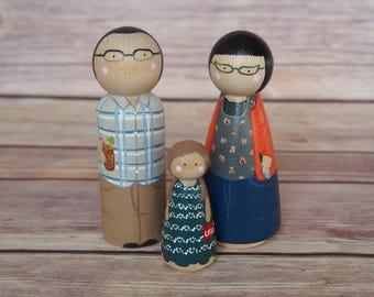 Custom Peg Doll Family of Three // personalized peg dolls // custom family portrait // heirloom gift