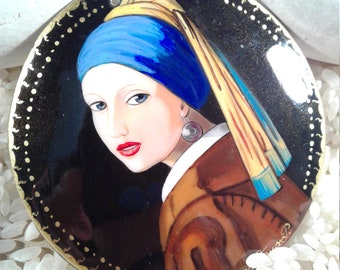 Girl with a Pearl pendant, Hand painted portrait pendant, Russian lacquer, Johannes Vermeer jewelry, global curiosity, miniature painting