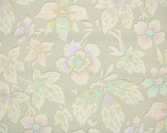 1920's Vintage Wallpaper - Antique Floral with Muted Pastel Flowers