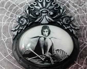 The Vamp-Theda Bara Baroque Pendant
