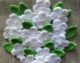 50 Crochet flowers and leaves - White Soft Cotton - Size 28mm - 30mm