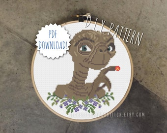 DIY Alien cross stitch PATTERN. Counted cross stitch pattern. Needlepoint pattern.