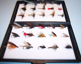 30 Trout Flies in Plastic Fly Box Consisting of 15 Wet Flies and 15 Dry Flies Ideal XMAS GIFT