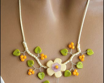 Vanilla Yellow Green Flower necklace
