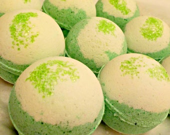 Pearberry- Bubblin' Bath Bomb Fizzy, handmade with Avocado Oil, Soothing Suds Bath & Body