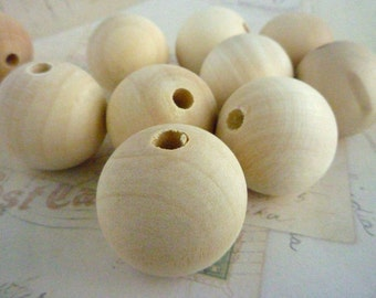 Round Wooden Beads - Natural - 30mm - Pack of 50