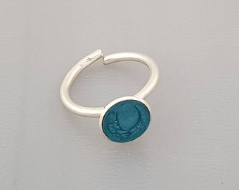 Ring with turquoise enamel