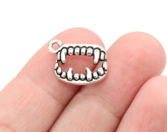 8 Pcs Vampire Teeth Charms Antique Silver Tone 17x13mm - YD0657