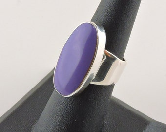 Size 6 Sterling Silver 17ct Oval Purple Rhinestone Ring