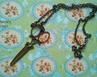 Simply cutting it - Necklace