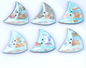 Set of 5 resin craft buttons