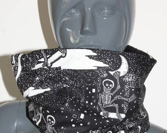 Cowl scarf snood tube skaters skeleton black and white fabric