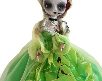 southern belle zombie doll, horror art doll, evil possessed halloween decor