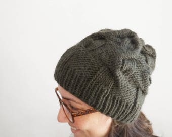 KNITTING PATTERN: Upside Down cable chunky bulky hat / Instant download PDF